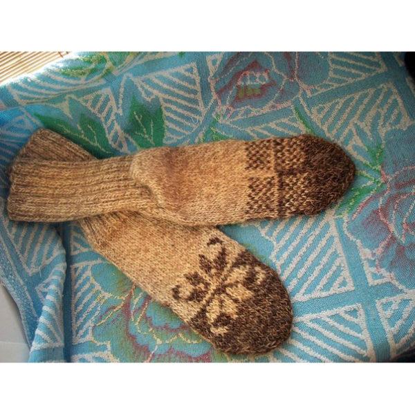 Вязанные носки бежево-коричневые