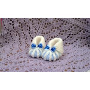 Вязаные пинетки бежево-голубые