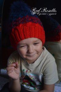 Красная шапочка на мальчике
